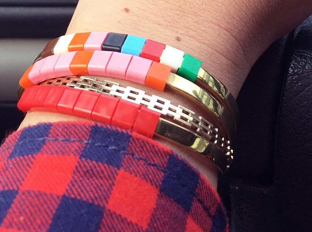 BAEKKE armbånd rød og multifarvet