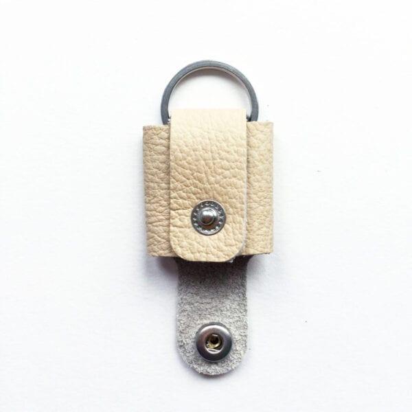 USMEUS pung nøglering åben creme