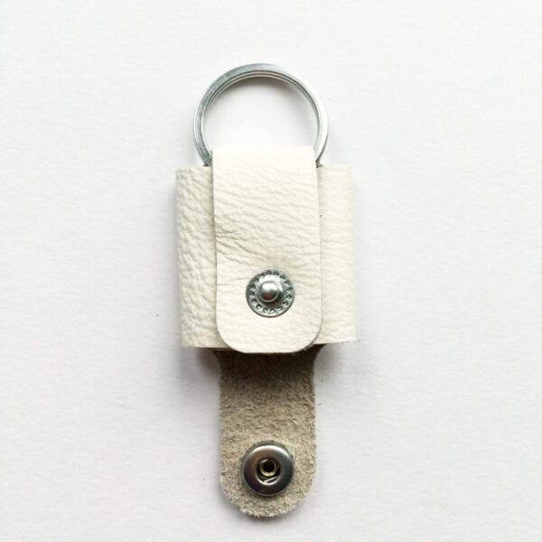 USMEUS pung nøglering åben sne hvid