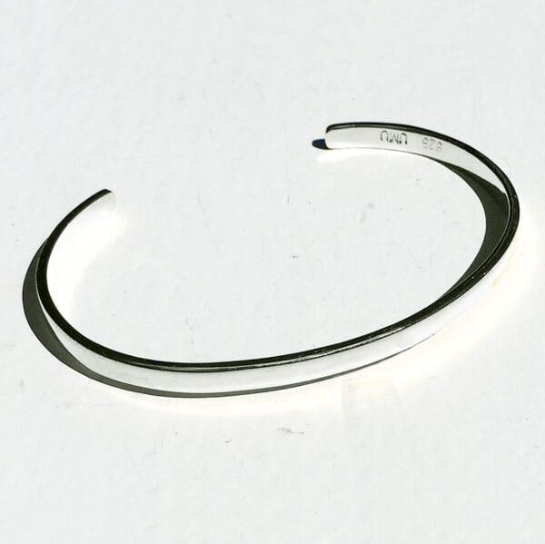 USMEUS BAEKKE armbånd i sølv uden perler
